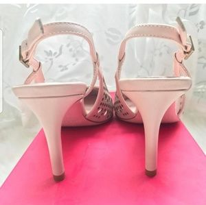 kate spade Shoes - Kate Spade Nude Pointed Toe Sling Back Pumps
